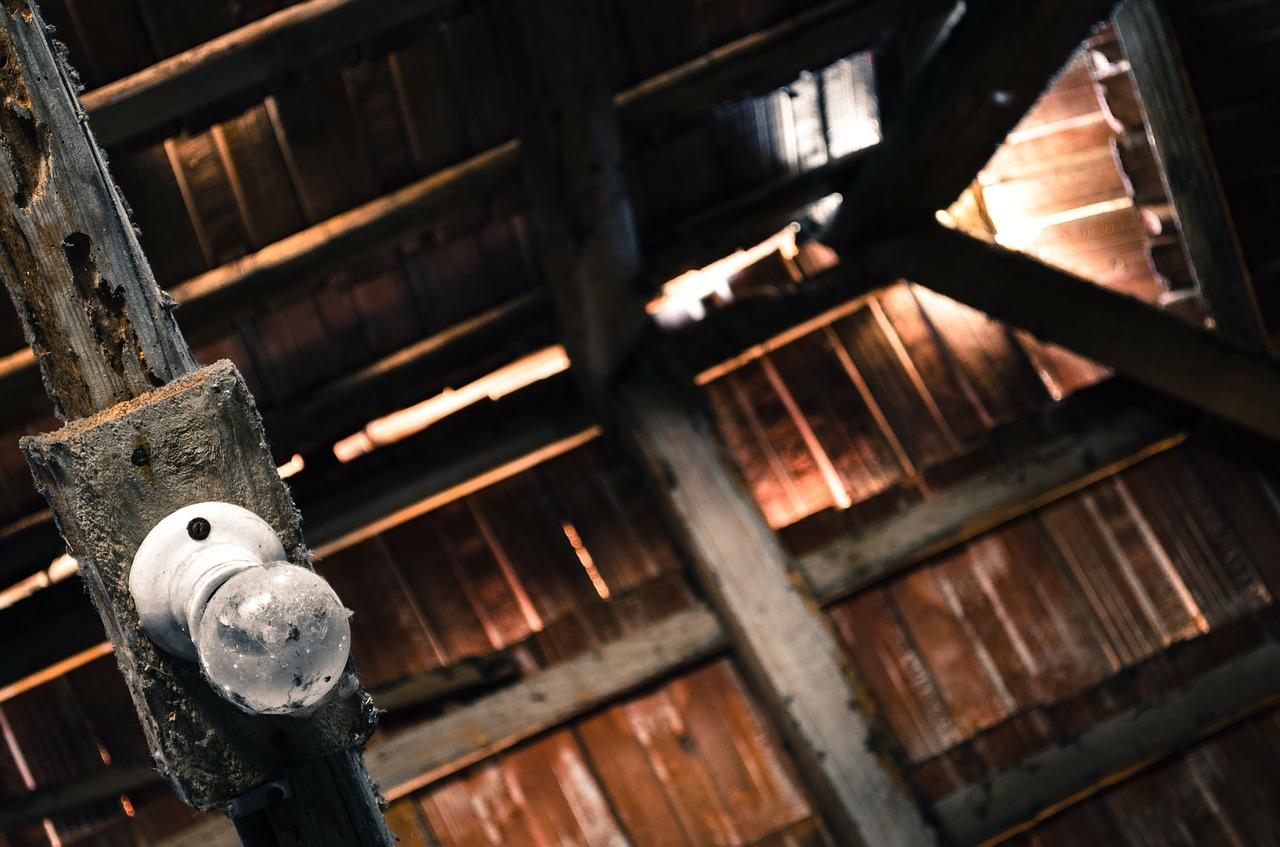 attic-112270_1280